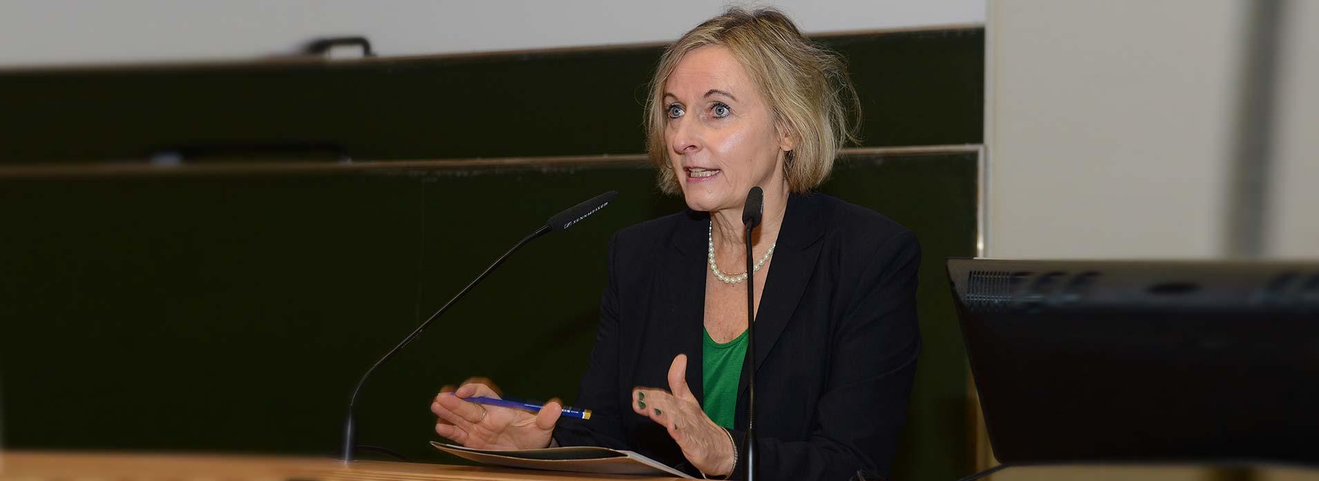 Christiane Bender